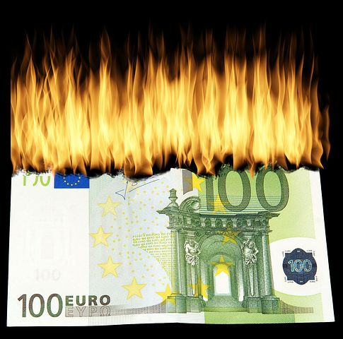 burn-money-1463224__480